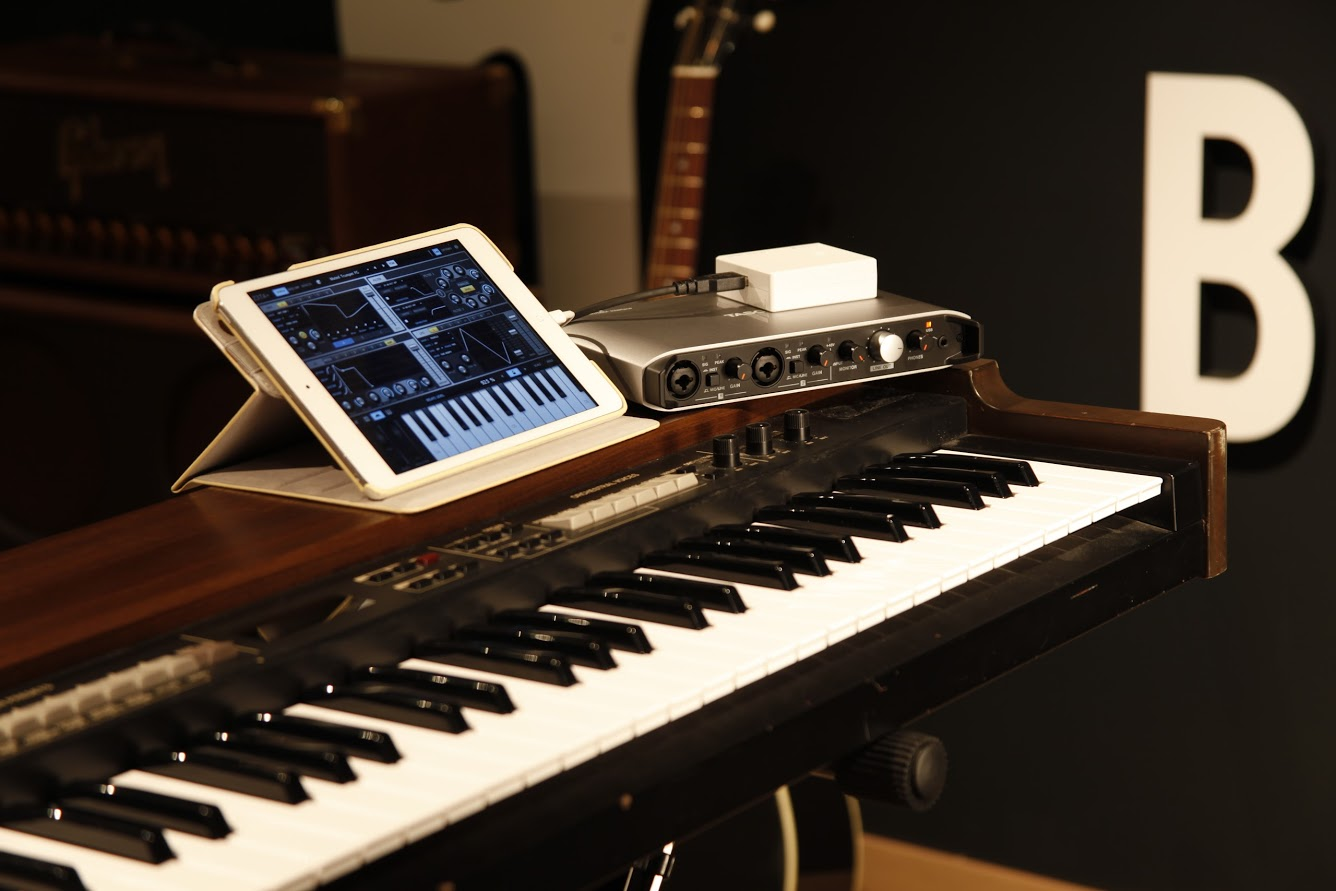 Комплект звукозаписи Tascam Trackpack iXR